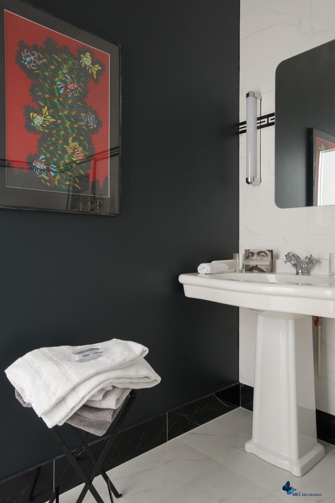 Salle De Bain Mur Noir ~ carrelage salle de bain design blanc