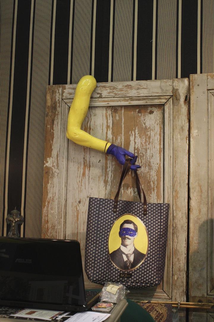 Id e originale de porte manteau les cabinets de curiosit s inspirent les cr - Porte manteau original ...