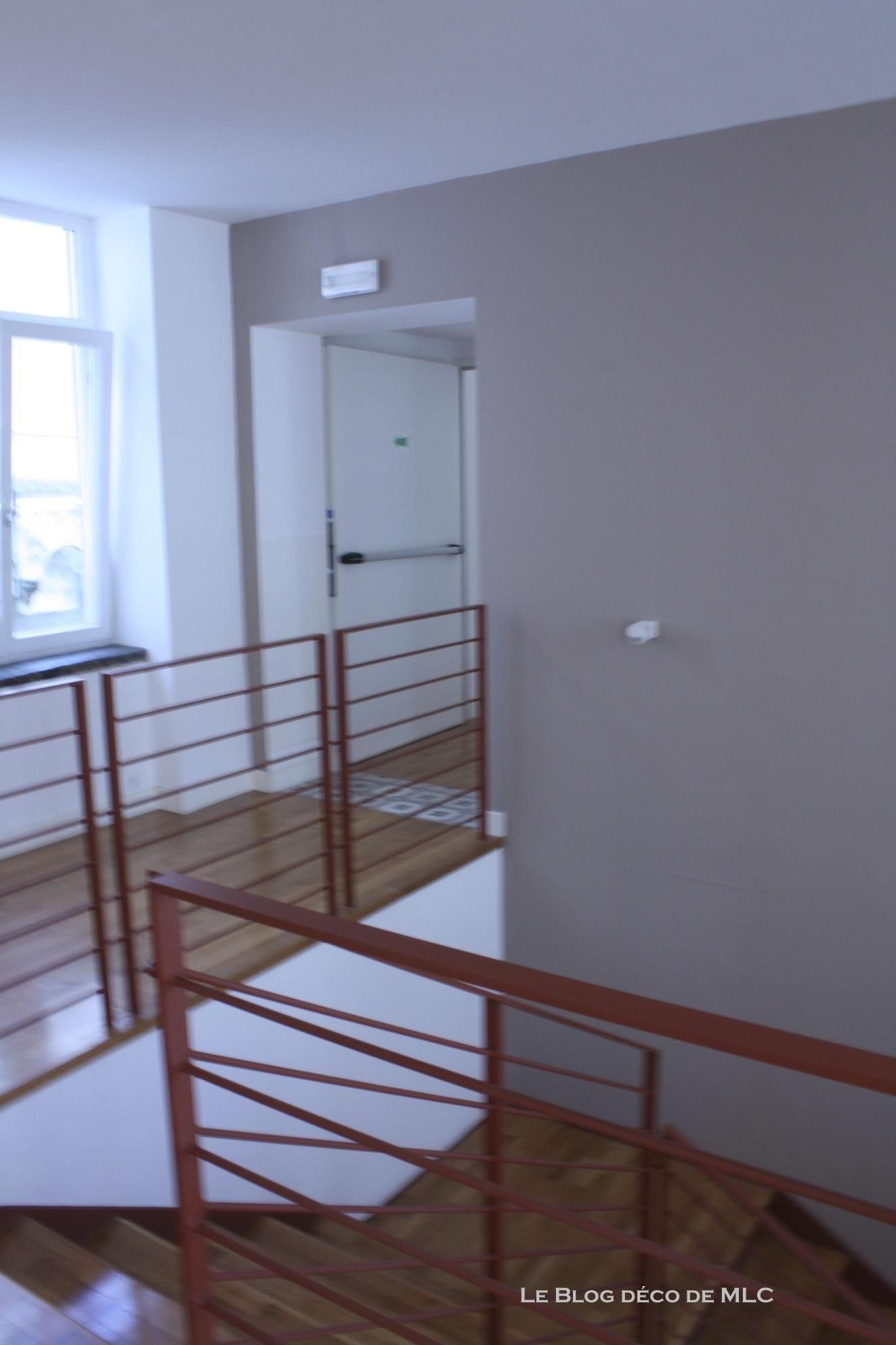 idee deco cage d escalier best decorer cage d escalier. Black Bedroom Furniture Sets. Home Design Ideas