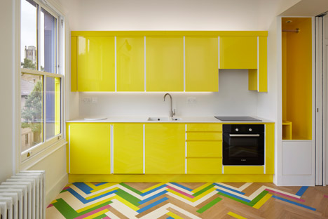 parquet chevrons altern s sol mixte et cuisine jaune pas comme les autres le blog d co de mlc. Black Bedroom Furniture Sets. Home Design Ideas