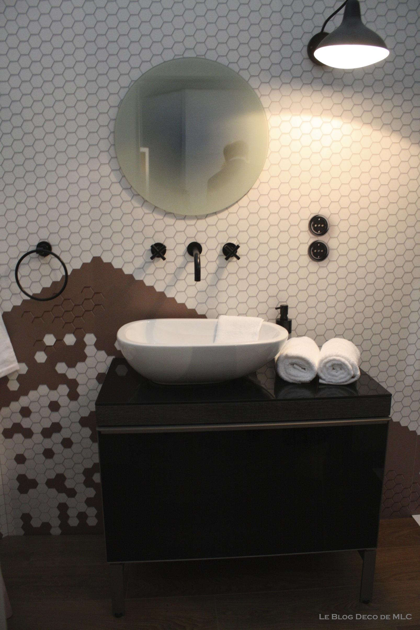 Douche archives le blog d co de mlc for Lavabo noir salle de bain