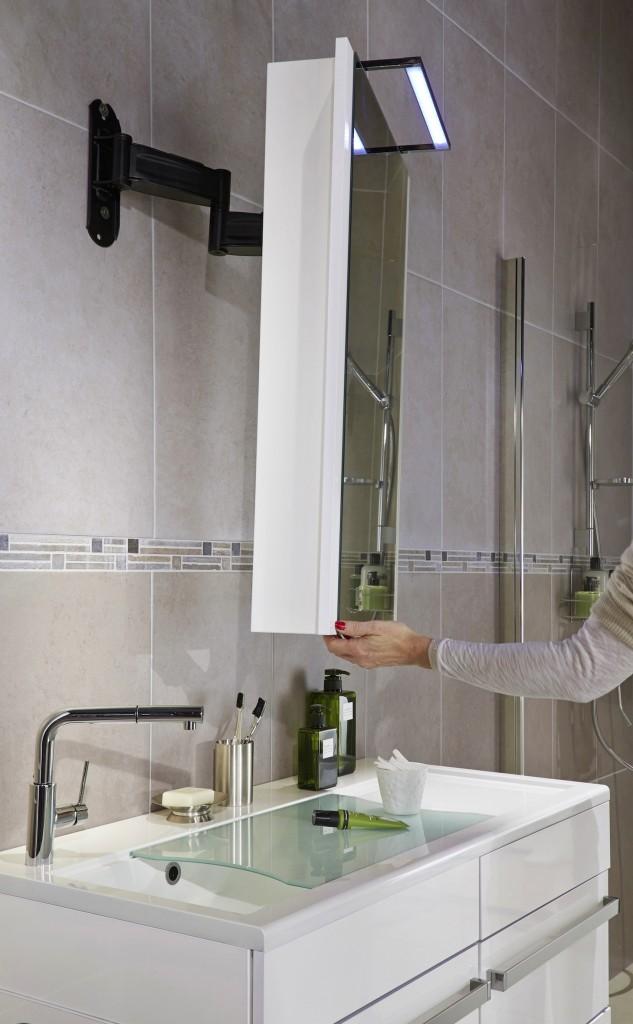 am nagement des salles de bains et douches s niors. Black Bedroom Furniture Sets. Home Design Ideas