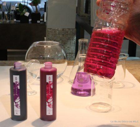 DIY-Saint-Valentin-une-jolie-composition-roses-eau-colorée-fleurs-fushiaJPG