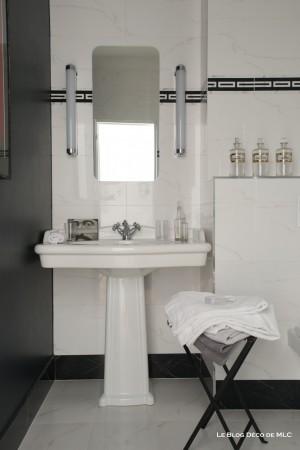 Salle-de-bain-ma-sélection-de-lavabo-et-de-douche-lavabo-colonne