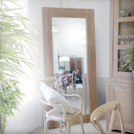 Les meubles en bois brut dans la d co for Miroir bois brut