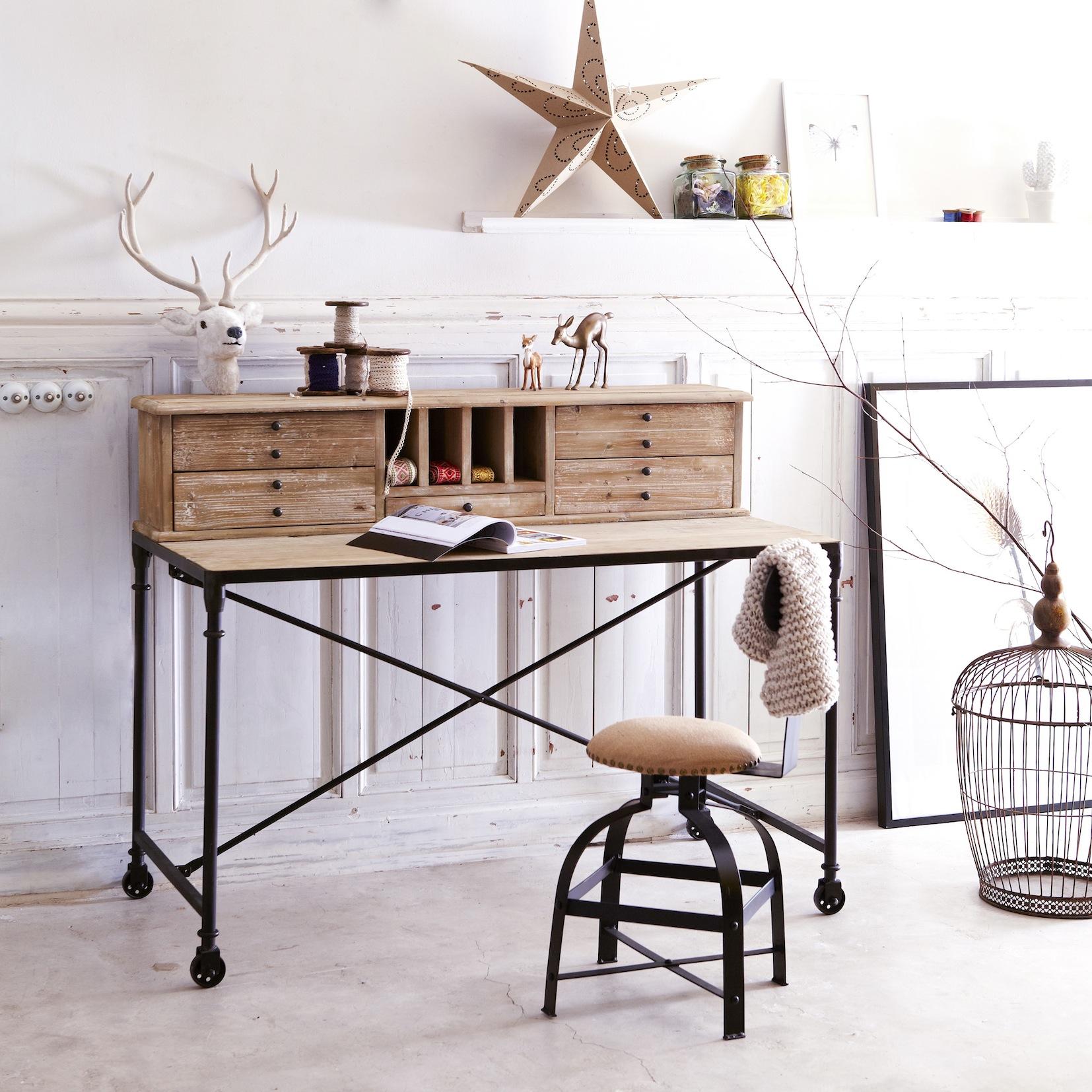 Les meubles en bois brut dans la d co for Bureau en bois brut