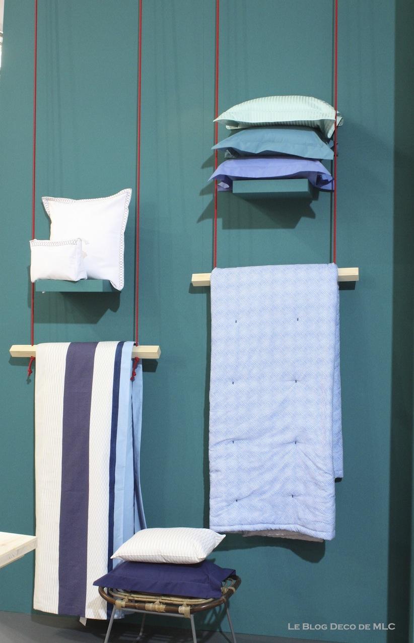 portant vetement bois. Black Bedroom Furniture Sets. Home Design Ideas