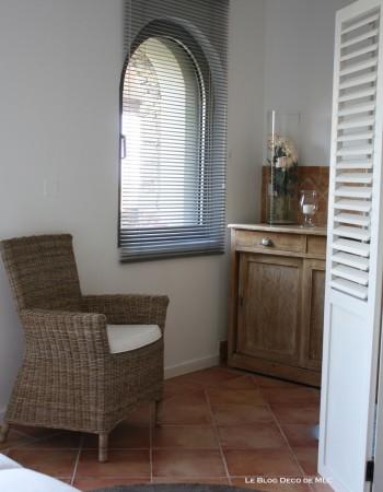 Les-10-plus-jolis-fauteuils-en-osier-chambre