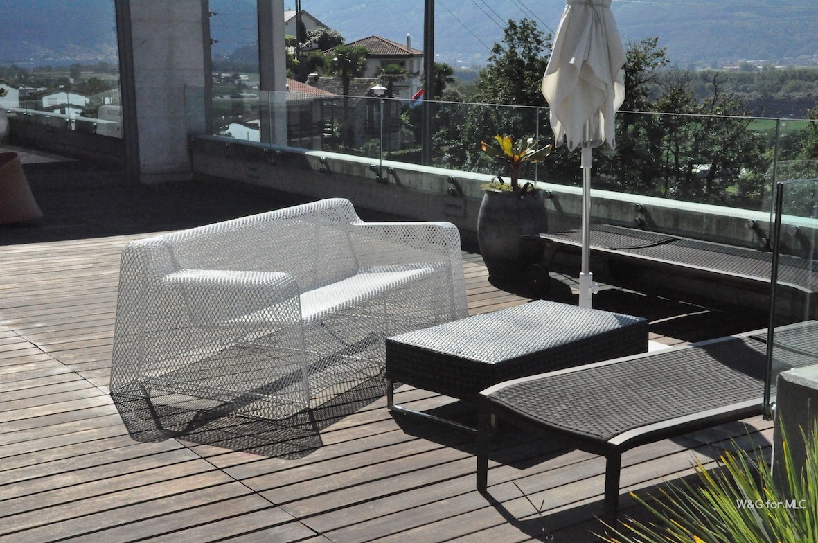 Une jolie terrasse d co villa design 2 le blog d co for Transat terrasse design