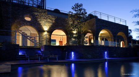 Eclairer-la-terrasse-le-soir-avec-des-luminaires-déco-MLC-design