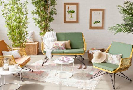 Un-salon-vert-et-fleuri-pour-une-déco-de-printemps-salon
