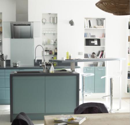 Cuisine-Bleu-pale-vert-menthe-Quelle couleur-choisir-pour-rénovation-leroy-merlin-ilot