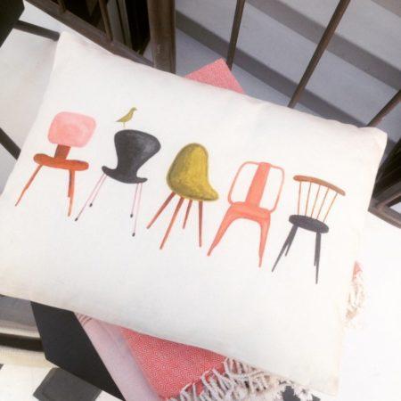 Les-nouvelles-collections-coussins-chaises-icones-monoprix