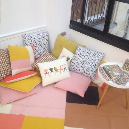 Les-nouvelles-collections-coussins_couleurs_pastel_monoprix