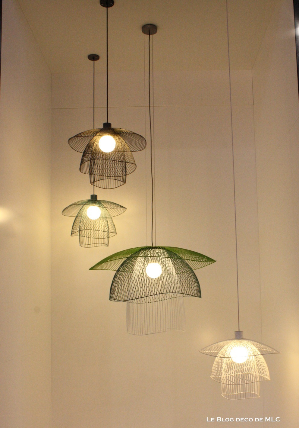 Luminaires lunes archives le blog d co de mlc for Luminaire suspension design