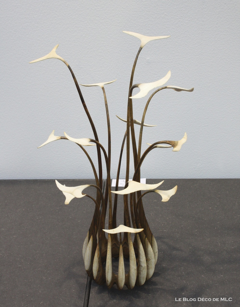 sculpture bois contemporaine fashion designs. Black Bedroom Furniture Sets. Home Design Ideas