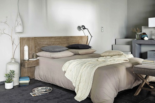 t te de lit en bois palette planche ou meuble. Black Bedroom Furniture Sets. Home Design Ideas
