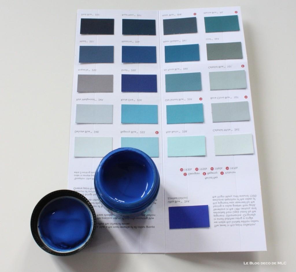 Peinture bleu clair sur les murs de l entr e d un for Peinture bleu mur
