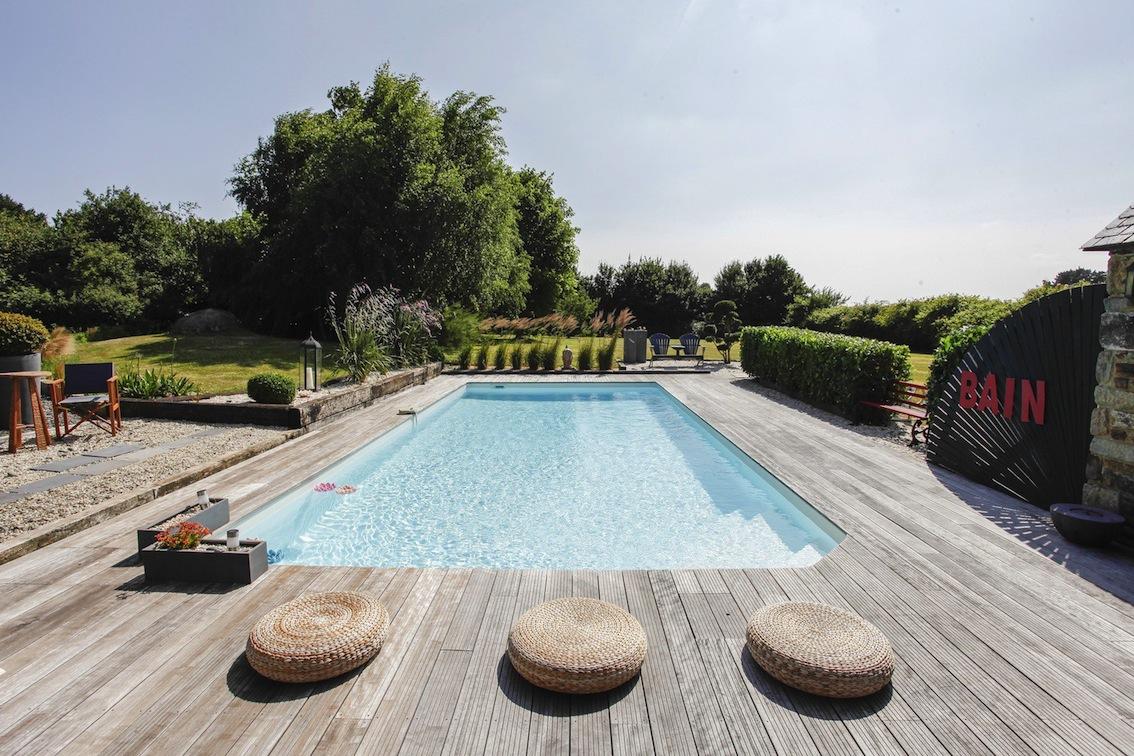 s lection chaise longue et transat autour de la piscine. Black Bedroom Furniture Sets. Home Design Ideas