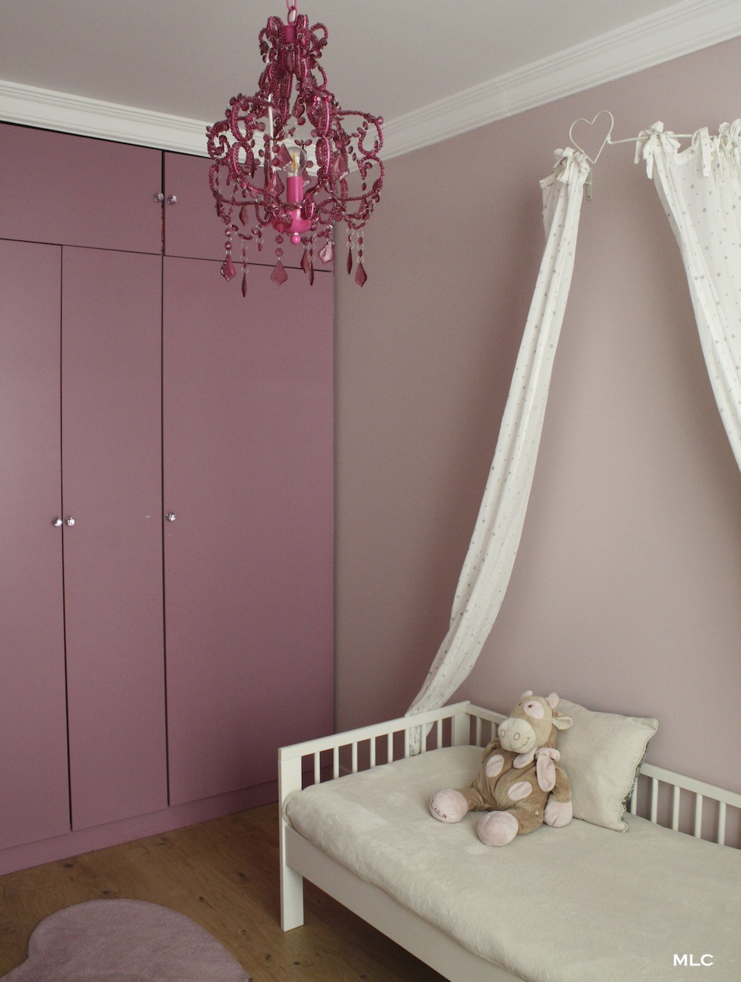 Chambre rose chocolat for Chambre fille rose