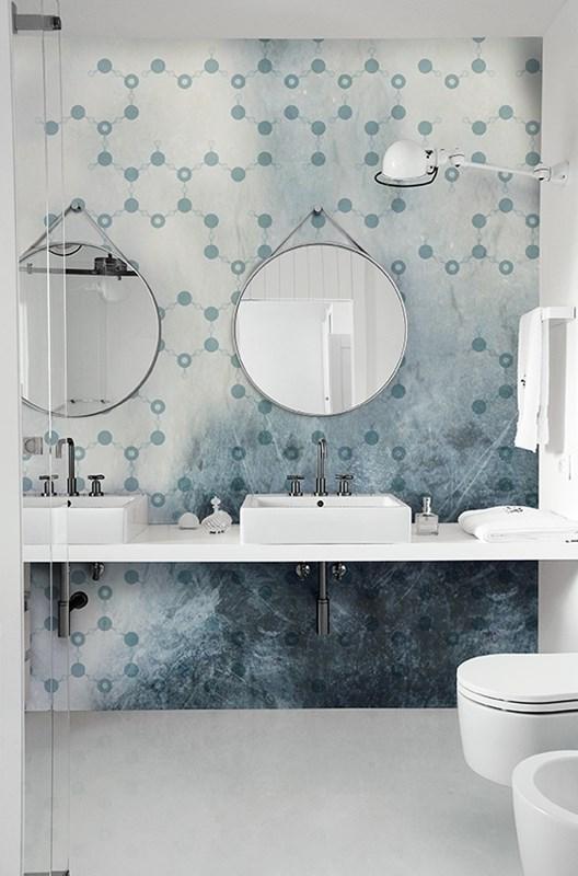 Accessoire salle de bain bleu bleu turquoise accessoires for Salle de bain bleu