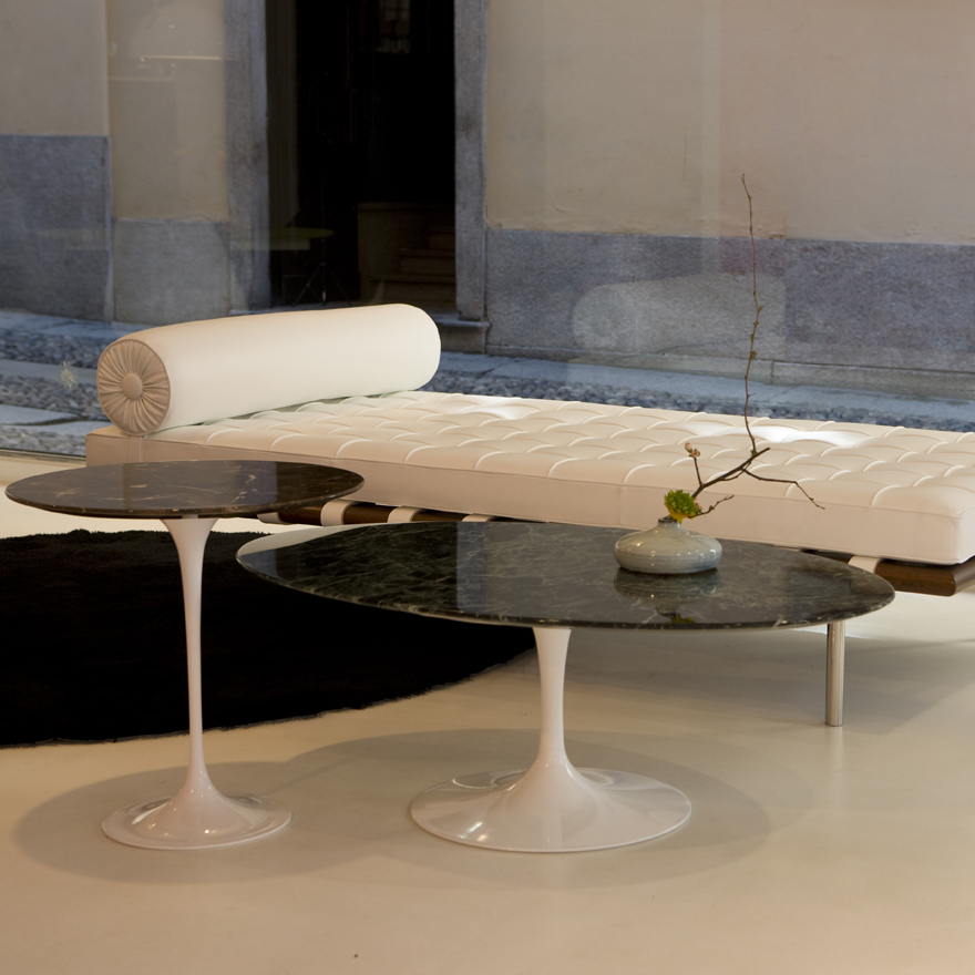 table-basse-ovale-marbre-saarinen