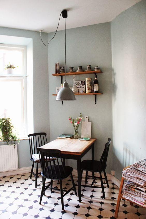 jolie-chaise-de-cuisine-a-barreaux