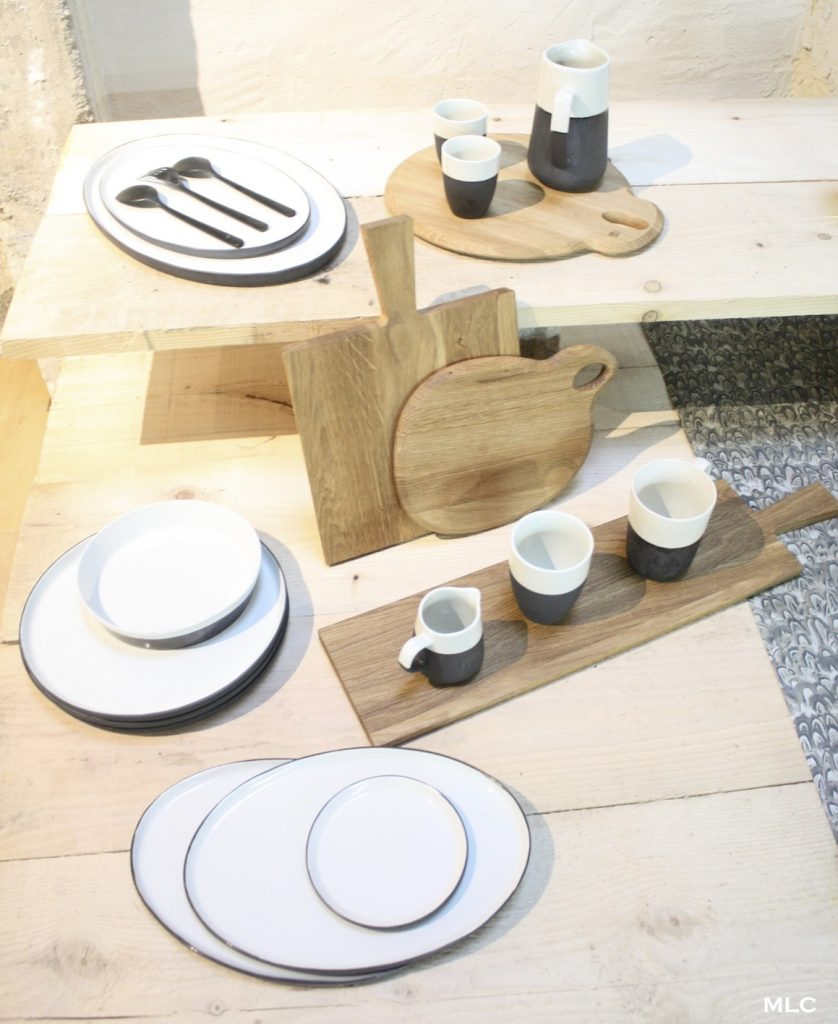 Accumulation de planche d couper en cuisine for Planche en bois cuisine