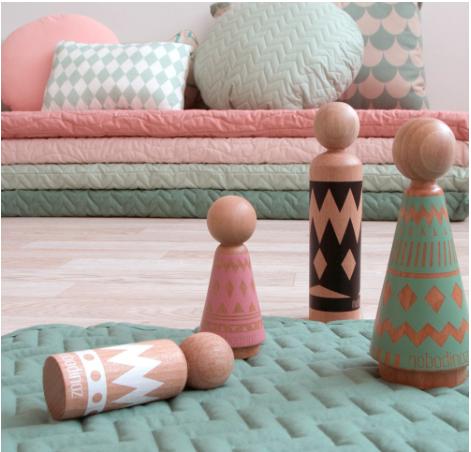 empiler des matelas d co pour un canap d 39 appoint le blog d co de mlc. Black Bedroom Furniture Sets. Home Design Ideas
