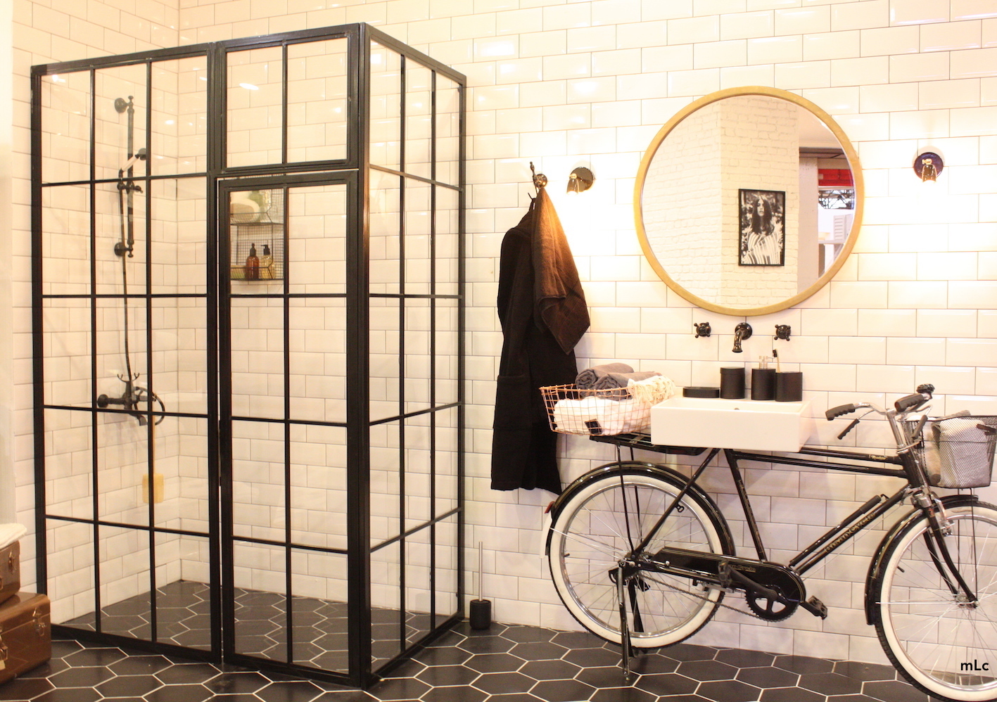 une verri re dans ma salle de bain le blog d co de mlc. Black Bedroom Furniture Sets. Home Design Ideas
