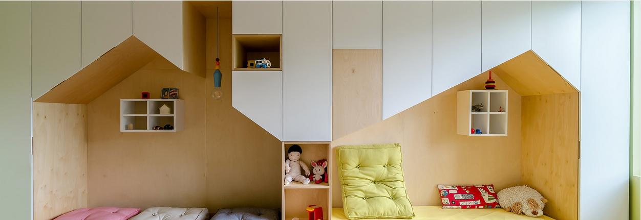 des mini maisons comme lit cabane et armoire int gr e pour. Black Bedroom Furniture Sets. Home Design Ideas