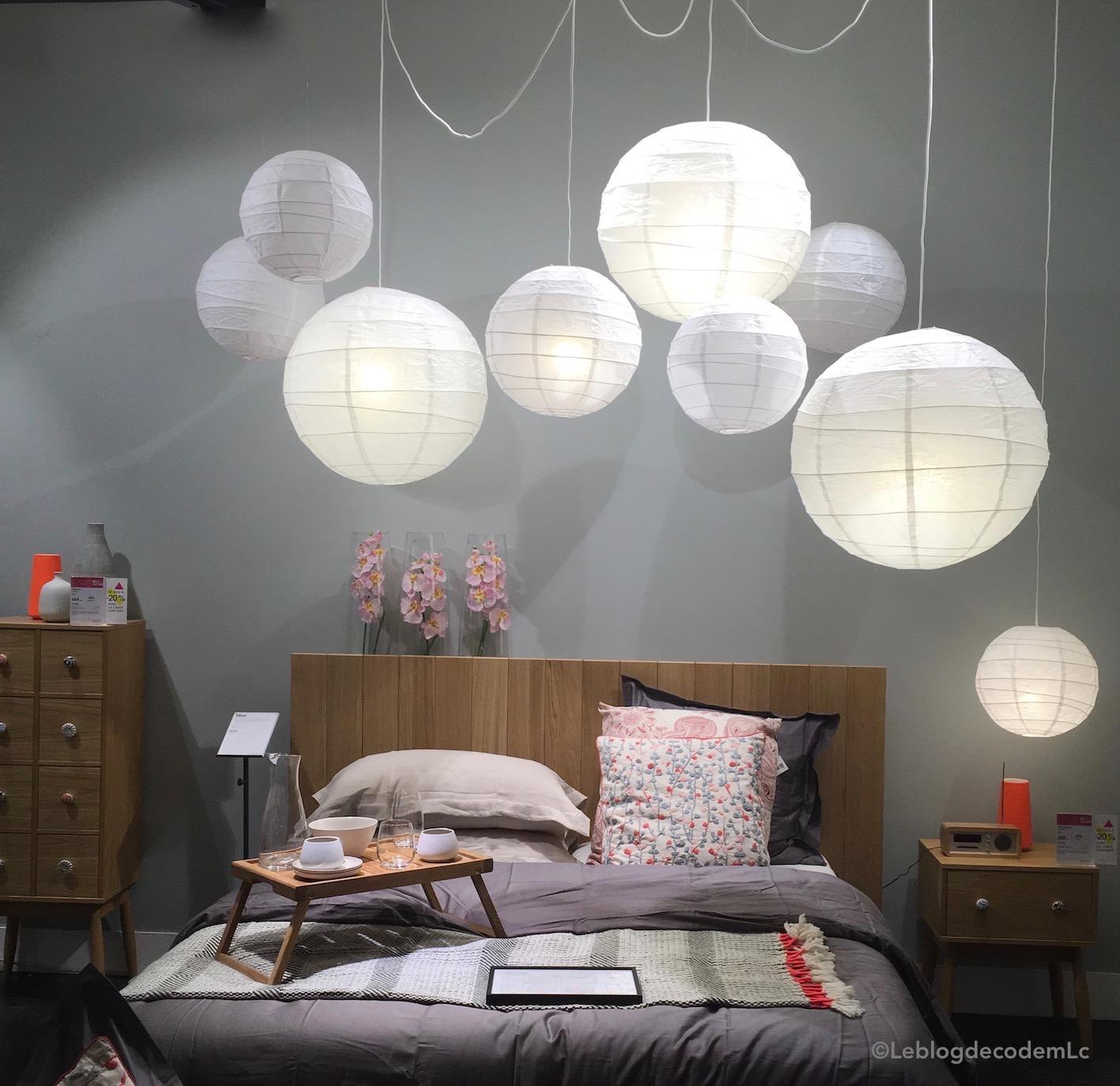 La lampe de chevet se place en suspension dans la chambre le blog d co de mlc - Lustres pour chambre ...