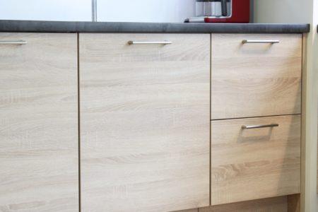 Cuisine-Le-grand-retour-des-meubles-en-bois-but-detail