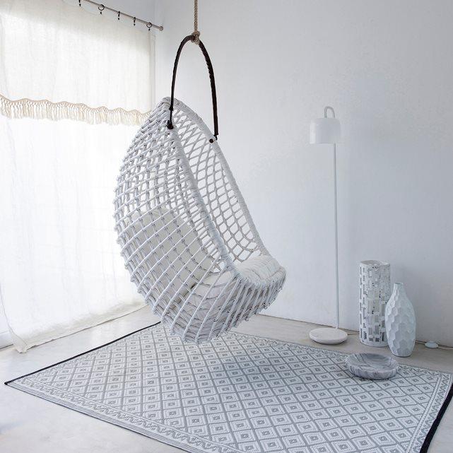 un fauteuil suspendu fauteuil oeuf balancelle. Black Bedroom Furniture Sets. Home Design Ideas