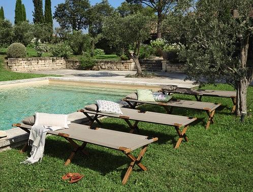 transat-jardin-piscine-lit-de-camp