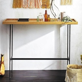 console bois clair pied metal noir le blog d co de mlc. Black Bedroom Furniture Sets. Home Design Ideas