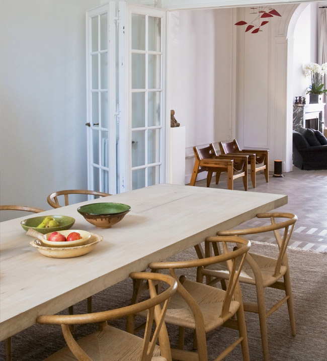 Avec Une Table En Bois Lui Associer Des Chaises Blanches Cest Toute La Rflexion Que Je Mne Ce Moment Sur Un Nouveau Projet