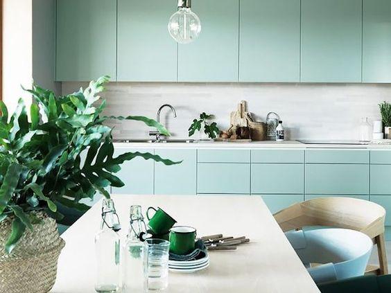 une jolie couleur vert d 39 eau pour la cuisine le blog d co de mlc. Black Bedroom Furniture Sets. Home Design Ideas