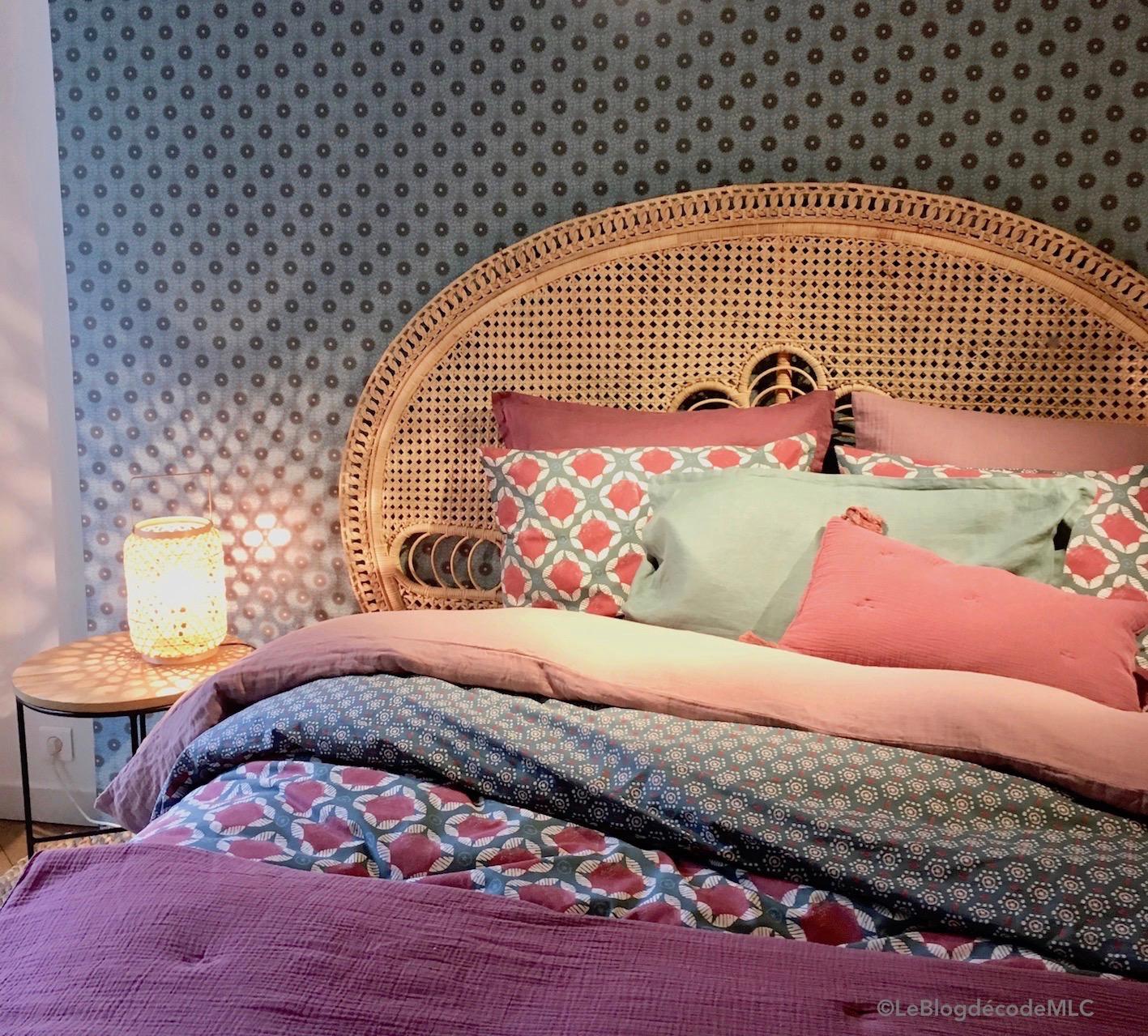 les t tes de lit design du moment sont en rotin ou cannage le blog d co de mlc. Black Bedroom Furniture Sets. Home Design Ideas