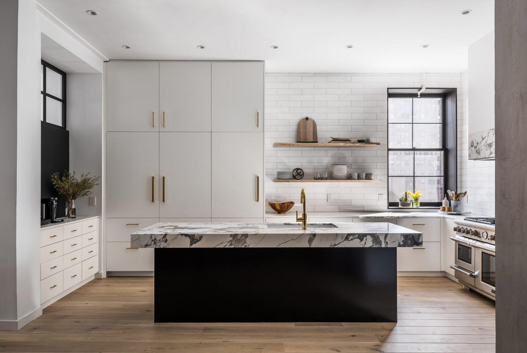 une jolie cuisine blanche et son ilot central noir le blog d co de mlc. Black Bedroom Furniture Sets. Home Design Ideas